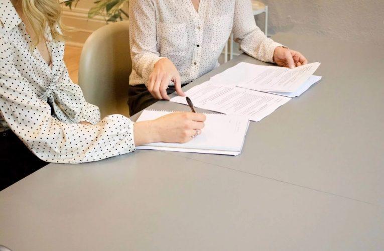 Cum te poate ajuta un avocat ȋn a rezolva situațiile legate de un dezvoltator imobiliar?